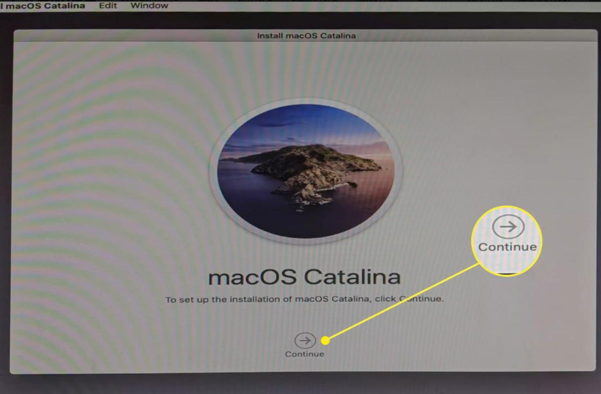Nhấp vào Continueđể tiến hành cài đặt macOS trên PC của bạn