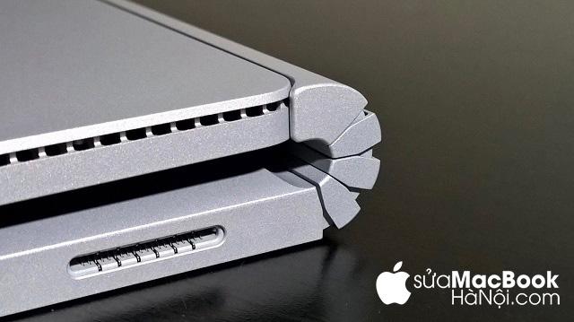Nguyên nhân macbook bị in bàn phím từ bản lề